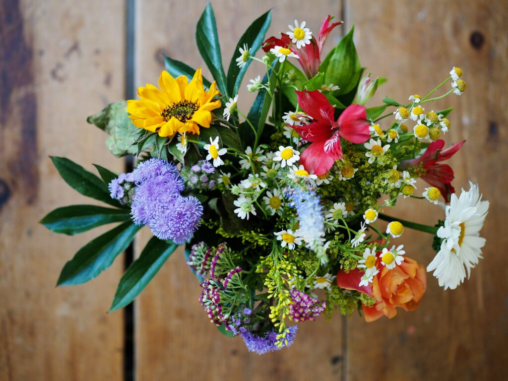 natural, local flowers for bridal bouquets